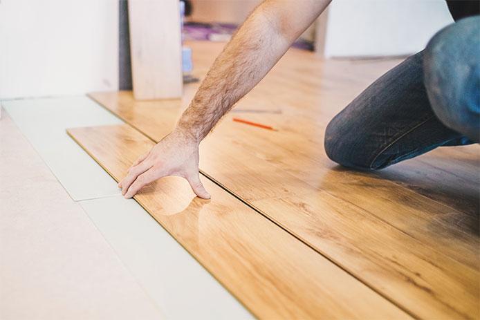 Installing floor planks
